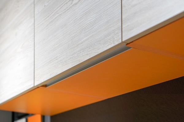 профиль Gola для верхних шкафов