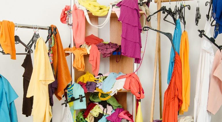 Организация пространства в шкафу своими руками: обзор полезных аксессуаров и дополнений
