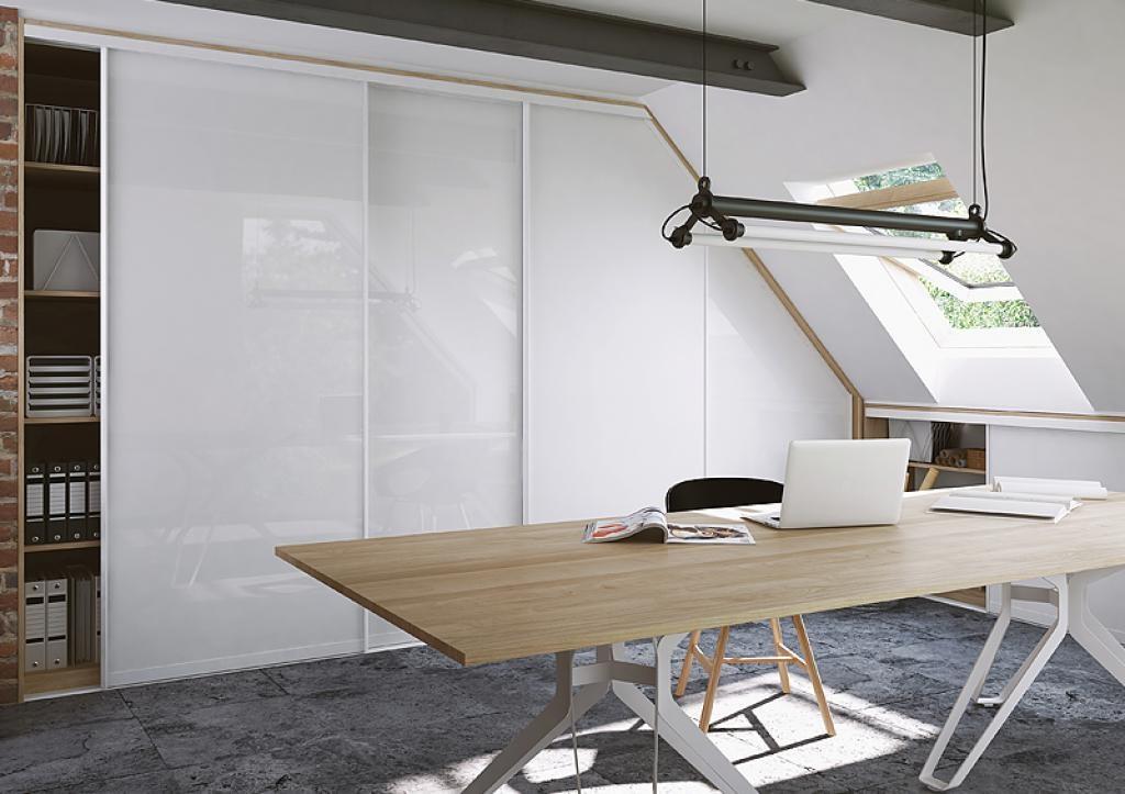 встроенный шкаф на мансарду для кабинета