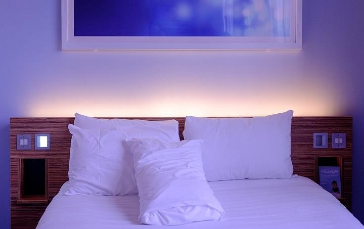 подсветка спинки кровати