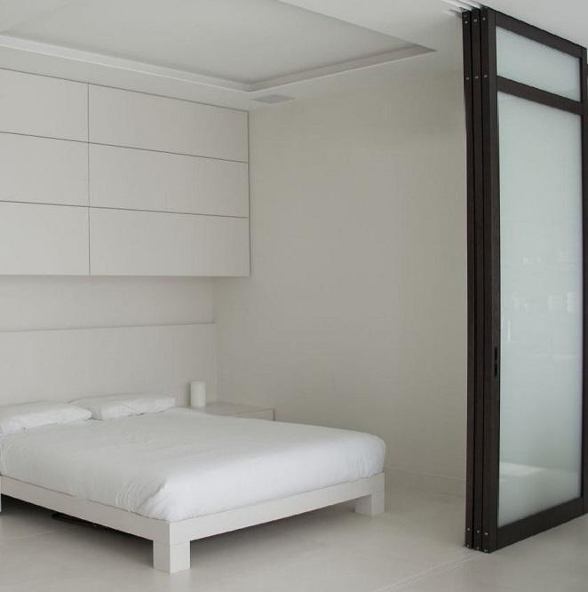 фото дизайн шкафов над кроватью